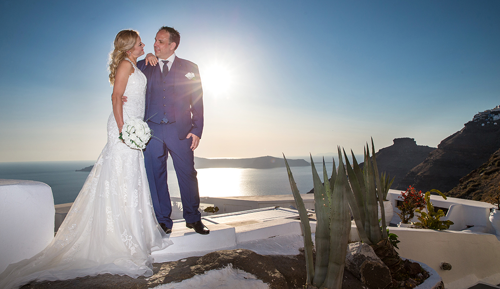 small weddings in santorini